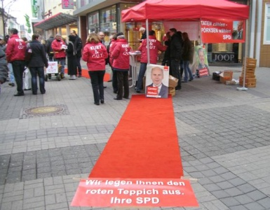 Roter Teppich im Wahlkampf